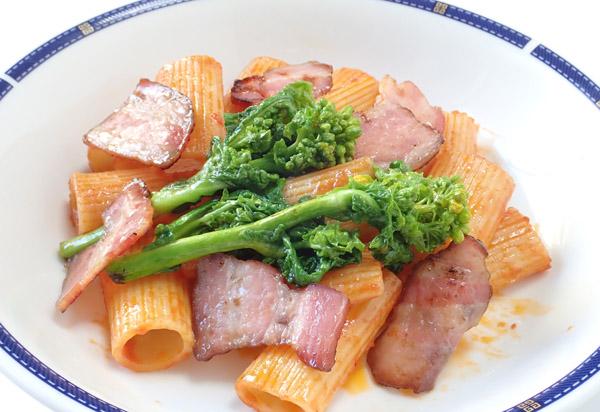 リガトーニの菜花添えとパスタの茹で方